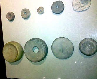 Chunkey - Image: Stone discoidals SOMACC H Roe 2010