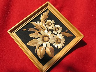 Straw marquetry - Image: Straw Marquetry Flowers