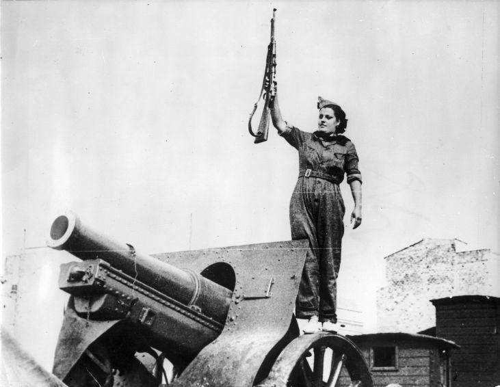 Strijdlustige vrouw - Woman ready to fight (3334194838)