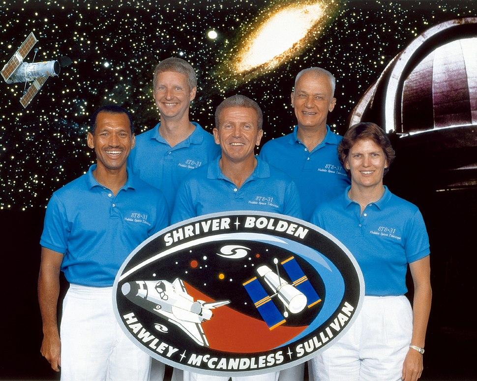 Sts-31 crew