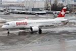 Swiss, HB-JCB, Bombardier CS300 (27680739289).jpg