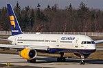 TF-FIK Icelandair Boeing 757-256(WL) coming in from Reykjavik (KEF BIKF) @ Frankfurt Rhein-Main International (FRA EDDF) 18.02.2018 (25468641067).jpg