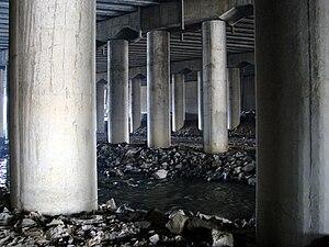 Tancheon - Image: Tancheon 02 A bridge under the railway sidings near Jukjeon