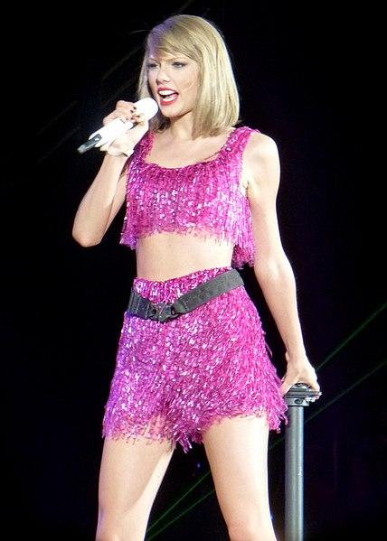 File:Taylor Swift 112 (18119055110).jpg
