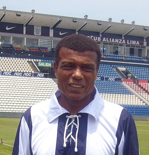Футболист анри куинтерос
