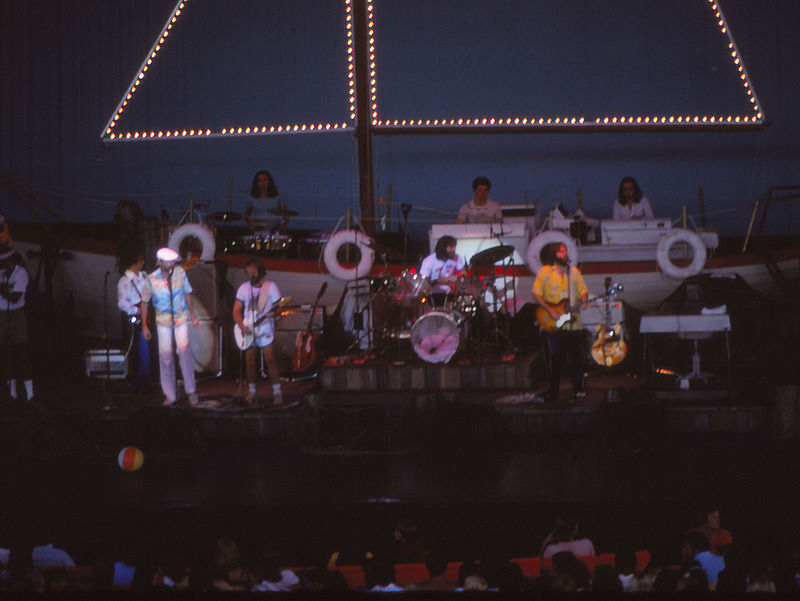 The Beach Boys Konzert Michigan 1978 (cropped).jpg