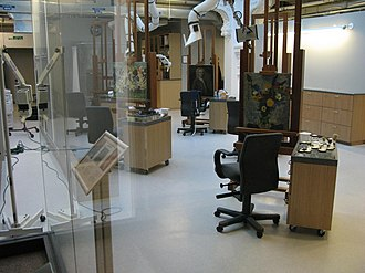 Paintings conservator - The paintings conservation laboratory at the Lunder Conservation Center