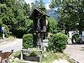 Tiroler Kreuz Dorf Tirol.jpg