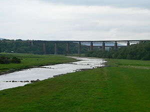 River Findhorn - The River Findhorn is crossed by the Highland Main Line railway and the A9 road just east of Tomatin