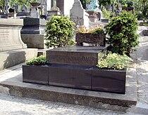 Tombe Harry Baur, Cimetière Saint-Vincent, Paris.jpg