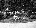 Toulouse. Square Lafayette. Le poète. Juillet 1905 (1905) - 51Fi23 - Fonds Trutat.jpg
