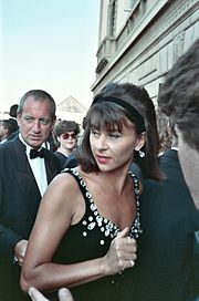 Tracey Ullman, 1990 Emmy Awards.jpg