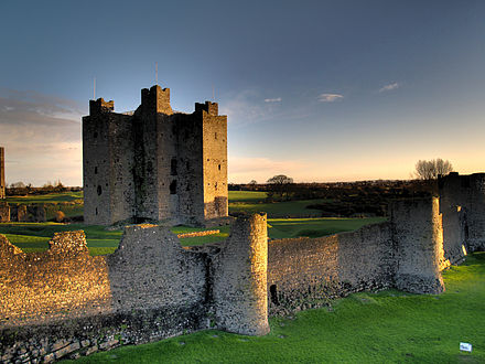 Remains of the 12th-century Trim Castle in County Meath, the largest Norman castle in Ireland Trim Castle 6.jpg