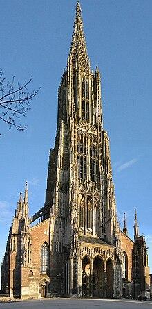 il campanile più alto d'Europa, quello della Cattedrale di Ulma, 161,53 m