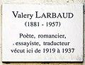 Valery Larbaud plaque - 71 rue de Cardinal Lemoine, Paris 5.jpg