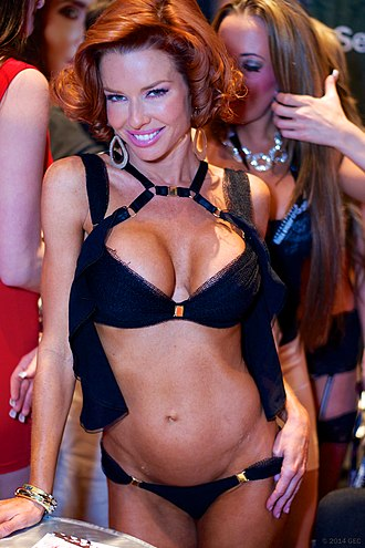 Veronica Avluv - Avluv posing at the AVN Expo 2014