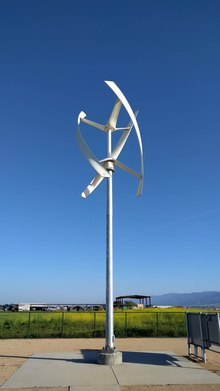File:Vertical-axis wind turbine at Hartnell College Alisal Campus.gk.webm