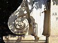 Voluta, monument al doctor Moliner de València.JPG