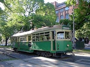 Yarra Trams - W6 983 on Victoria Parade