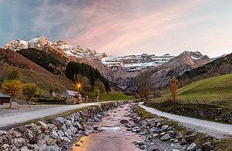 Pyrénées National Park - Image: WLE 2018 Parc national des Pyrenees Cirque de Gavarnie 2