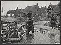 Watersnood 1953. In Ouwerkerk heeft het normale leven nog lang niet zijn oude ga, Bestanddeelnr 059-1070.jpg