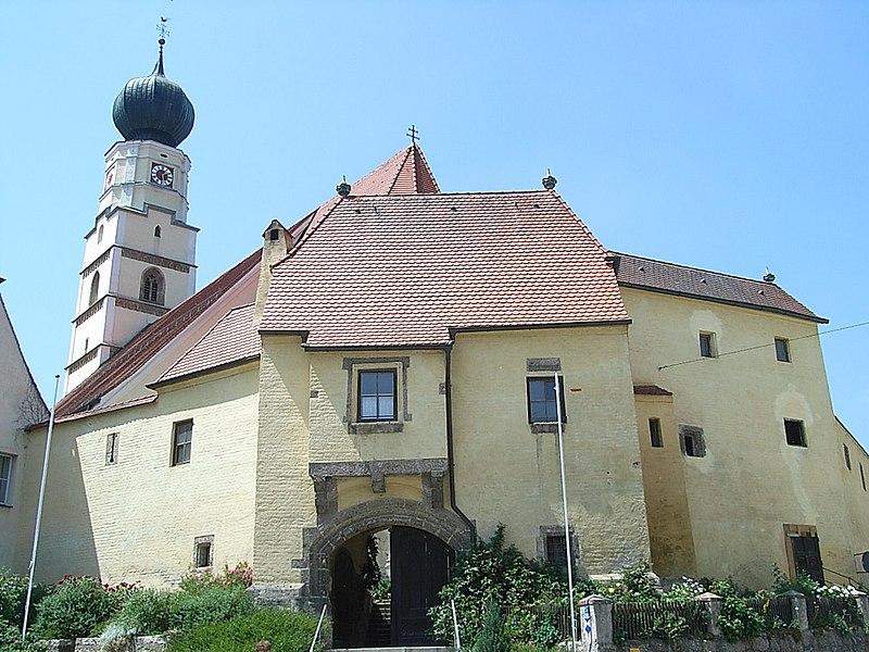 File:Wehrkirche Kößlarn.jpg