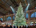 Weihnachtsbaum. Christkindli Markt HB Zürich.jpg