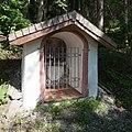 Wiki takes Nordtiroler Oberland 20150605 Laich(Loach)kapelle, Dreifaltigkeitsbildstock Stams 6977.jpg