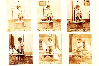 Photo sculpture - Series of photographs taken in 1865 for photosculpture