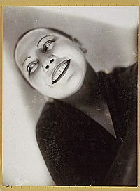 Yva Die Tänzerin Tatjana Barbakoff 1929.jpg