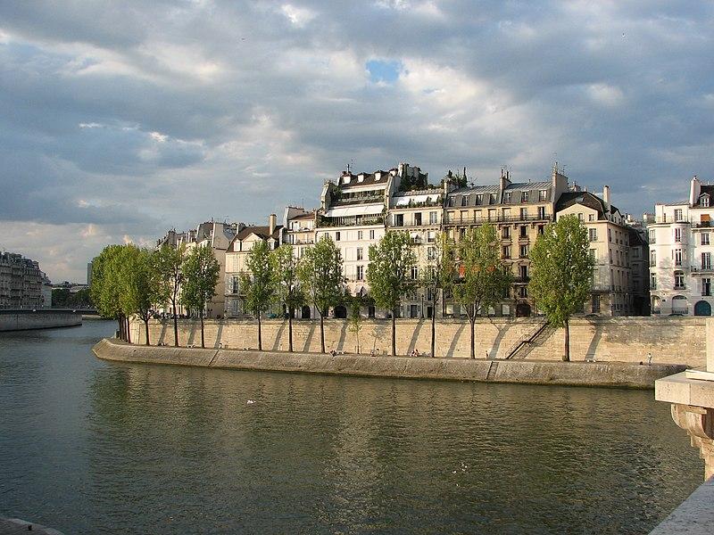 Súbor:Île Saint-Louis - Quai d'Orléans (Paris).jpg