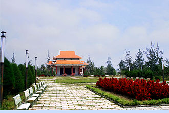 "Memorial temple to Nguyen Thi Dinh and the female volunteers of the Viet Cong whom she commanded. They came to call themselves the ""Long-Haired Army"". Den tho Nguyen Thi Dinh.jpg"