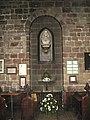 Бюст Исаака Уолтона в храме Св. Марии в Стаффорде.jpg