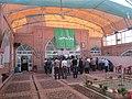 مسلمانان در حال خواندن نماز جماعت در مسجد.JPG