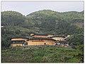 象布达拉宫的土楼群 - panoramio.jpg