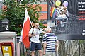 02018 0936 Katholische Nationalisten demonstrieren während des Besuchs von Bürgermeister Biedroń in der Umgebung der FHöV in Bielsko-Biala.jpg
