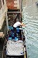 0 Venise, gondolier sur le Rio San Polo (5).JPG