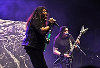 13-03-29 Paaspop Testament Chuck Billy 05.jpg