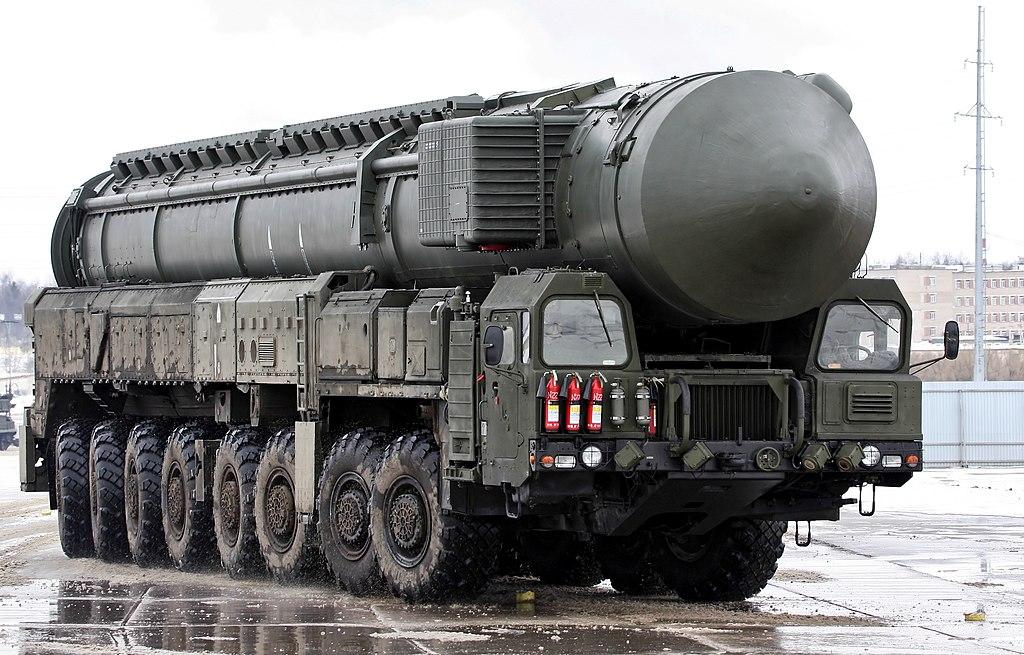 الثالوث النووي: وجهة النظر الروسية 1024px-19-03-2012-Parade-rehearsal_-_Topol-M
