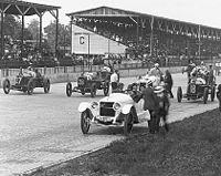 1916Indianapolis500Field.jpg