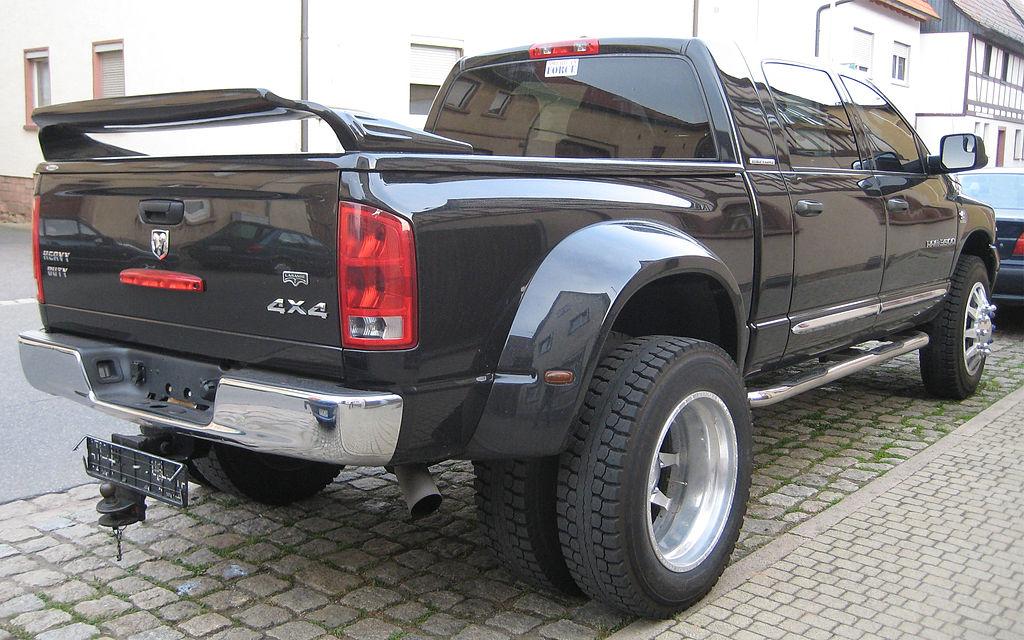 File 2006 Dodge Ram 3500 Mega Cab Dually 4x4