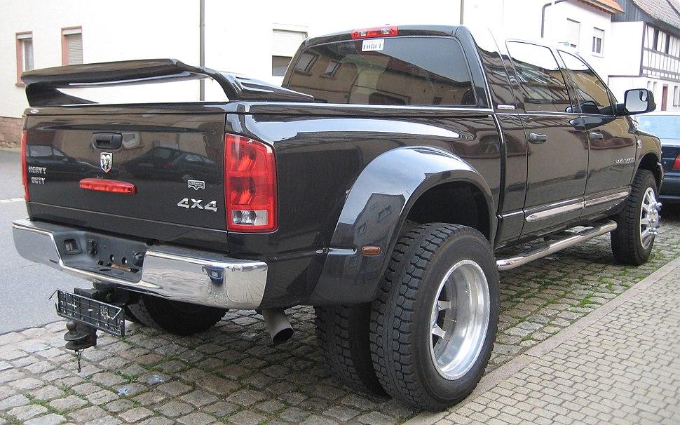 2006 - Dodge Ram 3500 - Mega Cab - Dually 4x4 - Laramie - RR