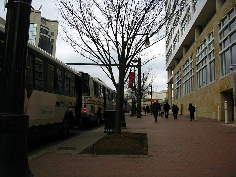 File:2009 03 10 - 2718 - Silver Spring - MD384 @ Discovery ...