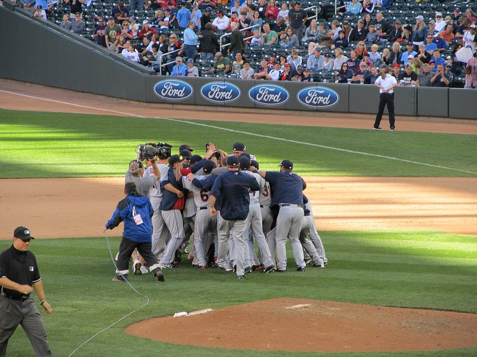 2013-09-29 Cleveland Indians defeat Minnesota Twins to go to playoffs