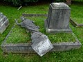 2015 London, Charlton Cemetery 13.JPG