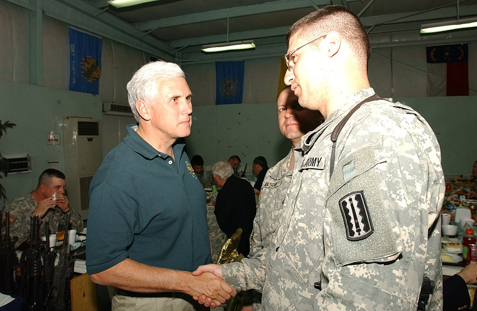 20171 Mike Pence with US-Soldiers in Mosul, Iraq 2006