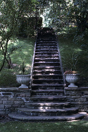 University Of Toronto President's Estate - Image: 93 Highland steps