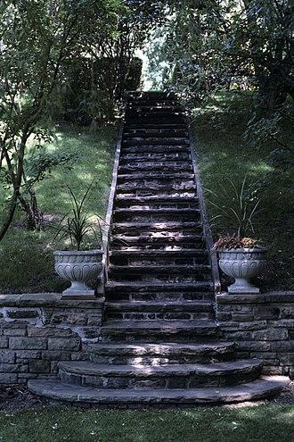 University Of Toronto President's Estate - Image: 93 Highland steps
