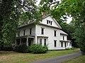 A house on Lincoln Ave, Amherst MA.jpg