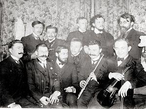 Abbaye de Créteil - Image: Abbaye de Créteil, circa 1907, group photograph